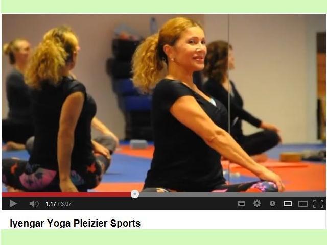 Iyengar Yoga les bij Hennie Pleizer Sportcentrum.